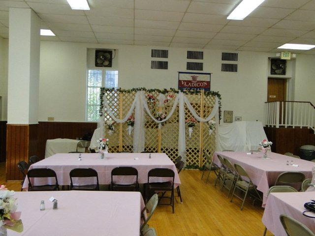 St andrew orthodox church sanctuary and fellowhip hall fellowship hall decorated for a wedding reception junglespirit Image collections